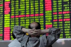 中国股市剧烈震荡所引发的连锁反应